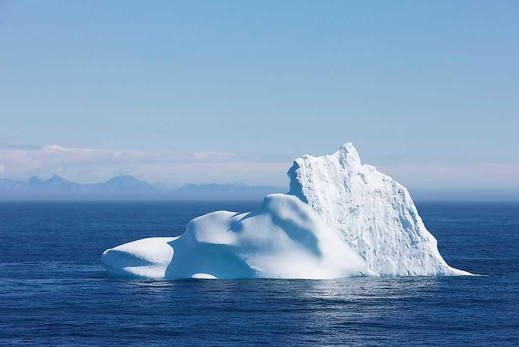 Меньшая плотность льда