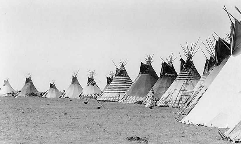 Где живёт Племя черноногих индейцев